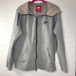 Nike hooded sweatshirt size medium gray